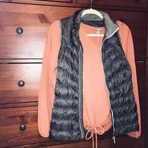 Puffy vest w/ zipper pockets